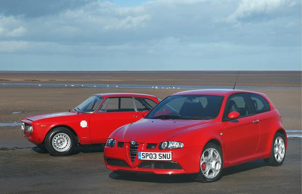 2003 Alfa Romeo 147.jpg